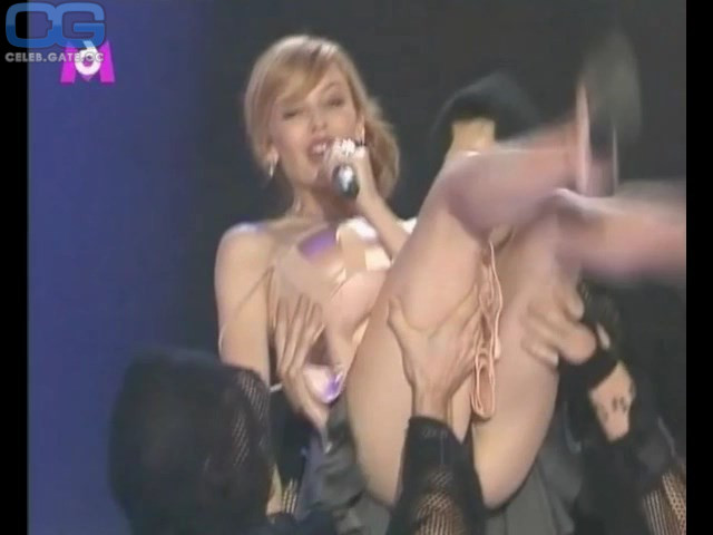 Kylie minogue topless