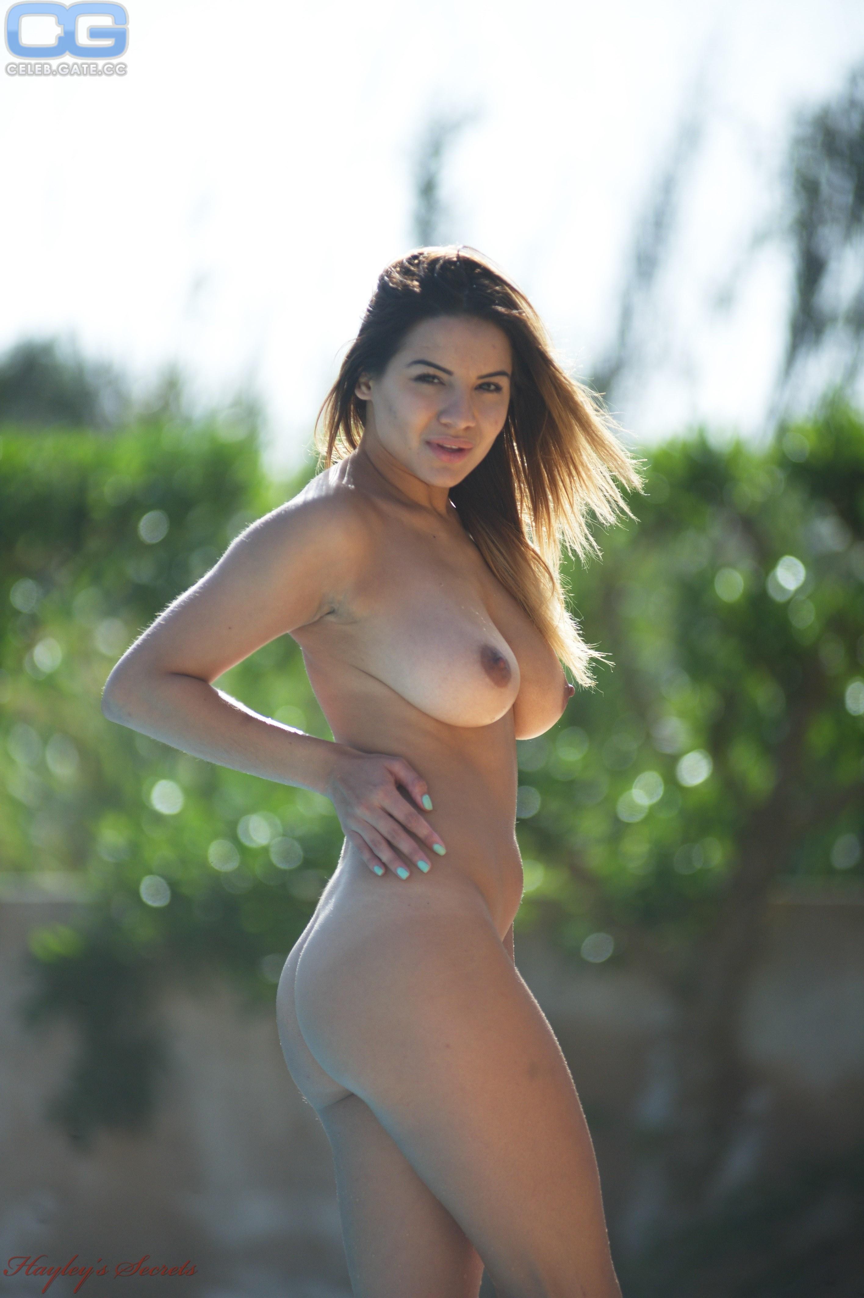 Lacey Banghard  nackt