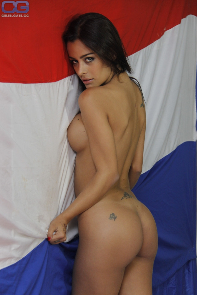 Lina larissa strahl naked