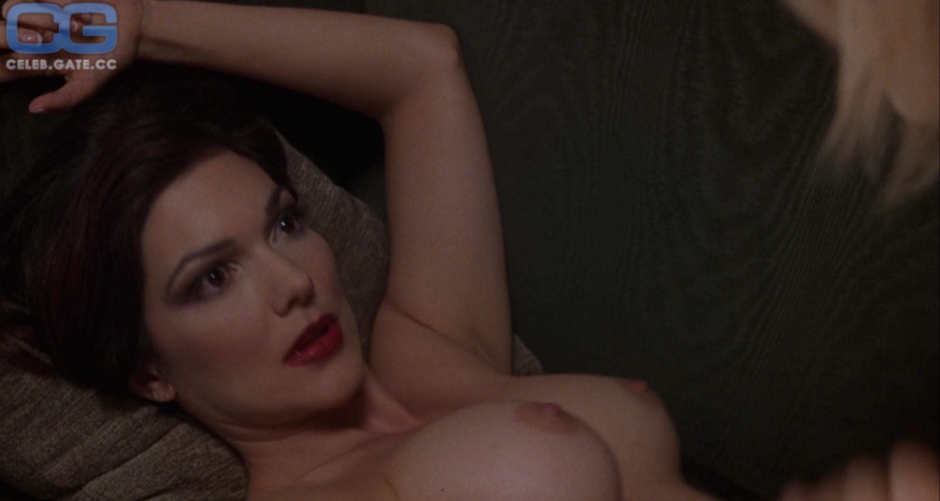 Nackt  Laura Spencer 33 Lara