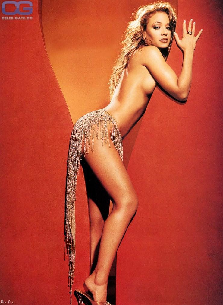 Leah Remini Naked