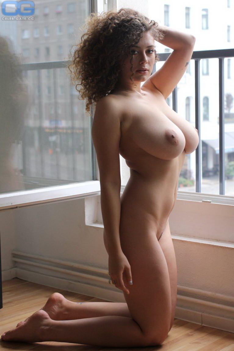 Leila Lowfire Xxx