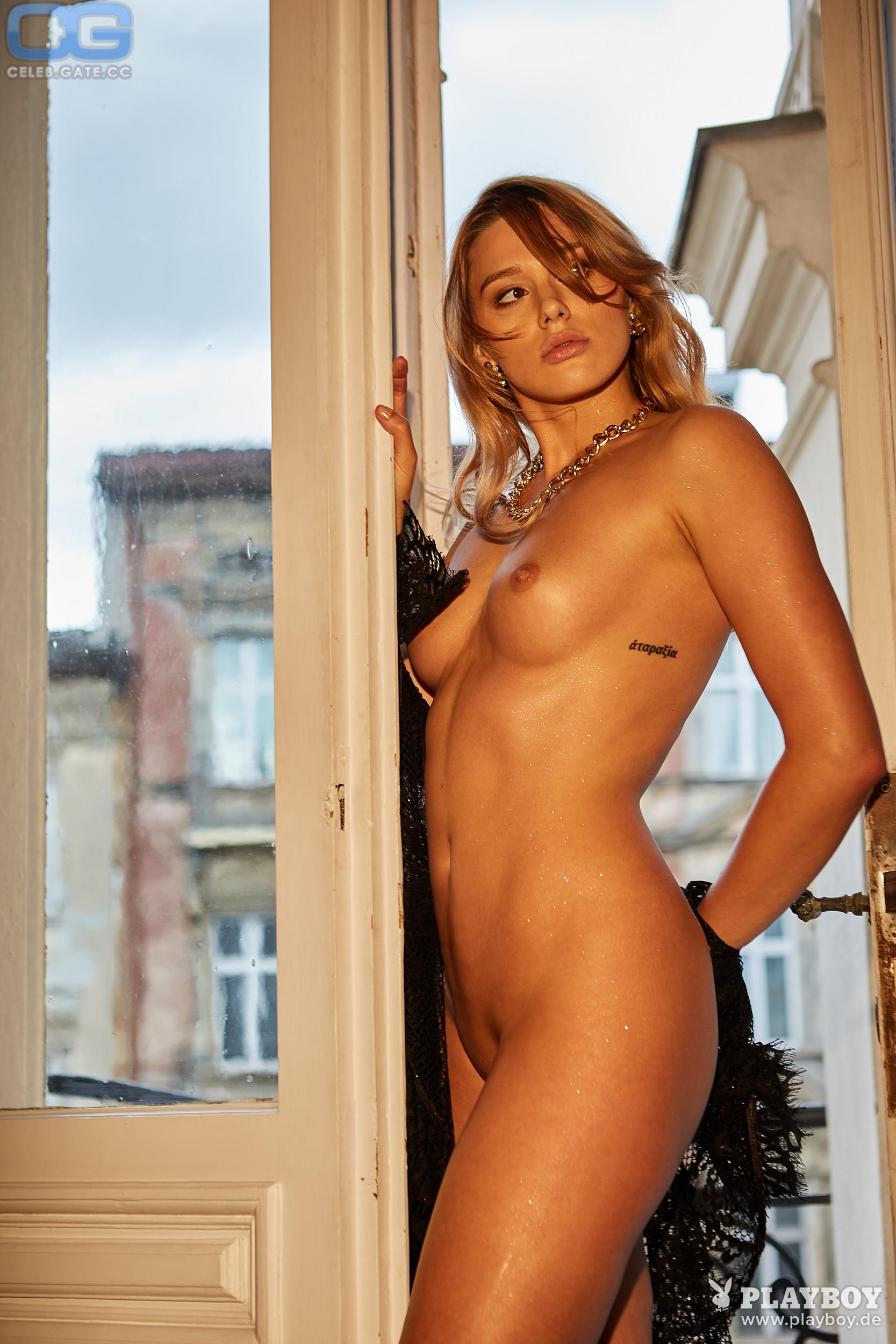 Lena nackt Bednarska Hot !