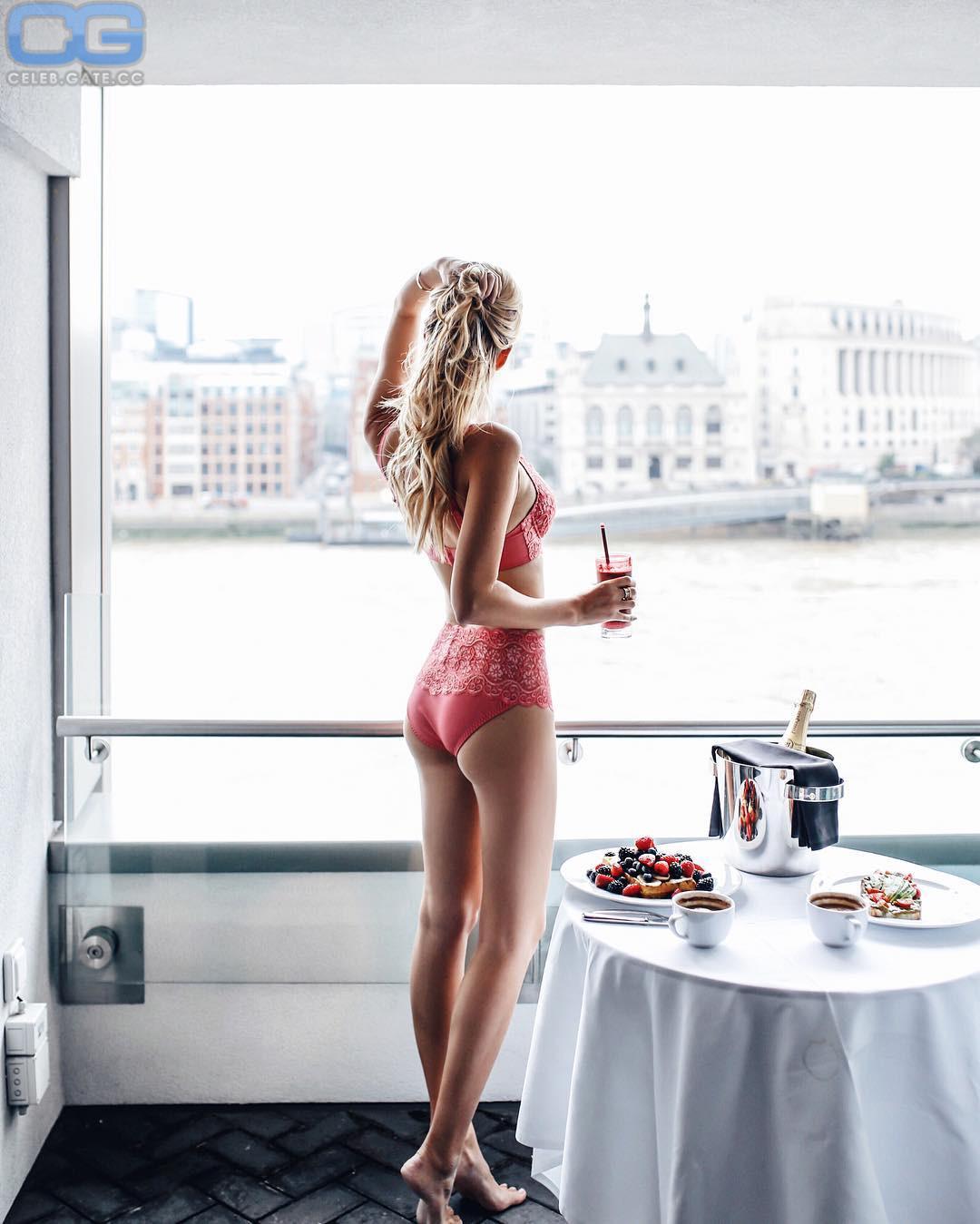 Leonie Hanne  nackt