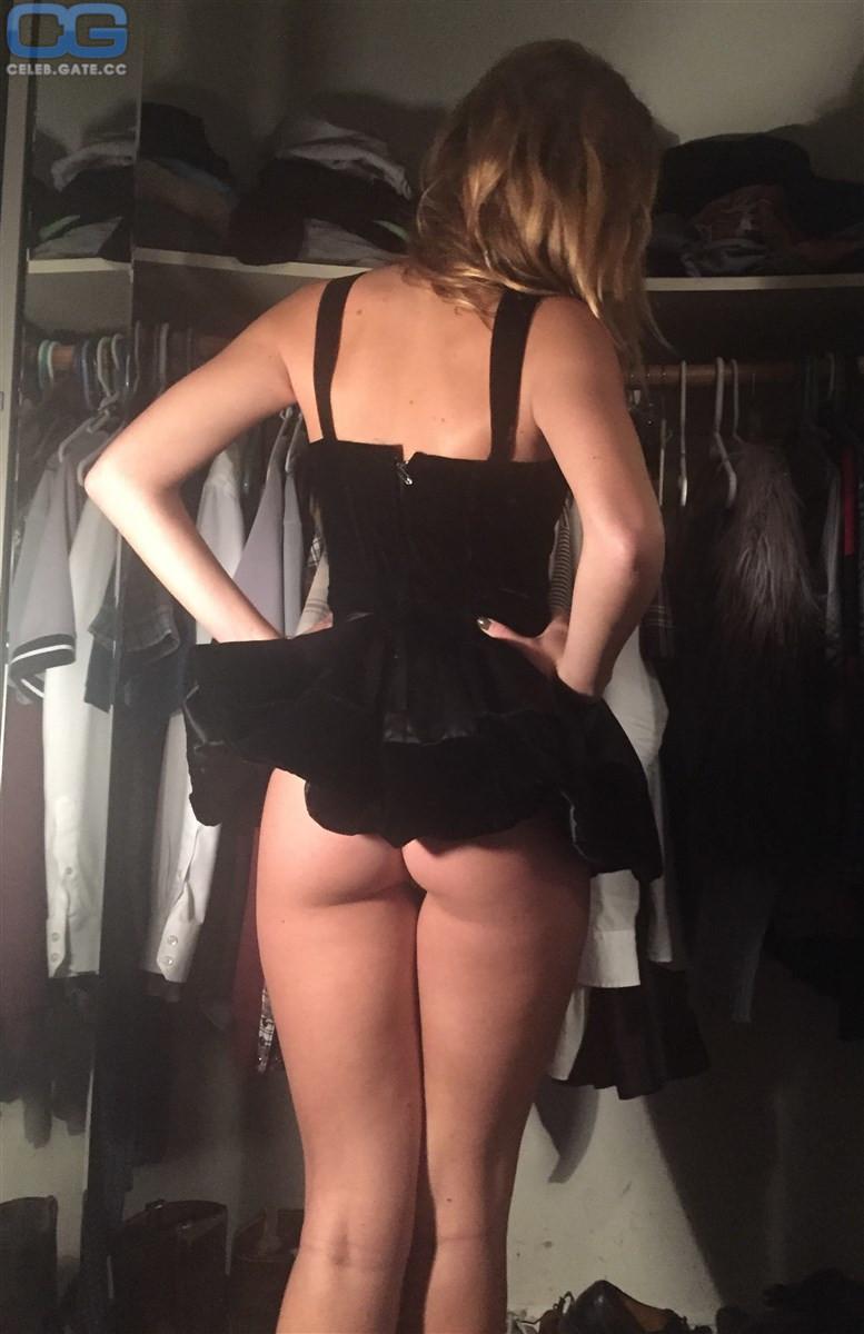 Lana nackt Banely Gloria