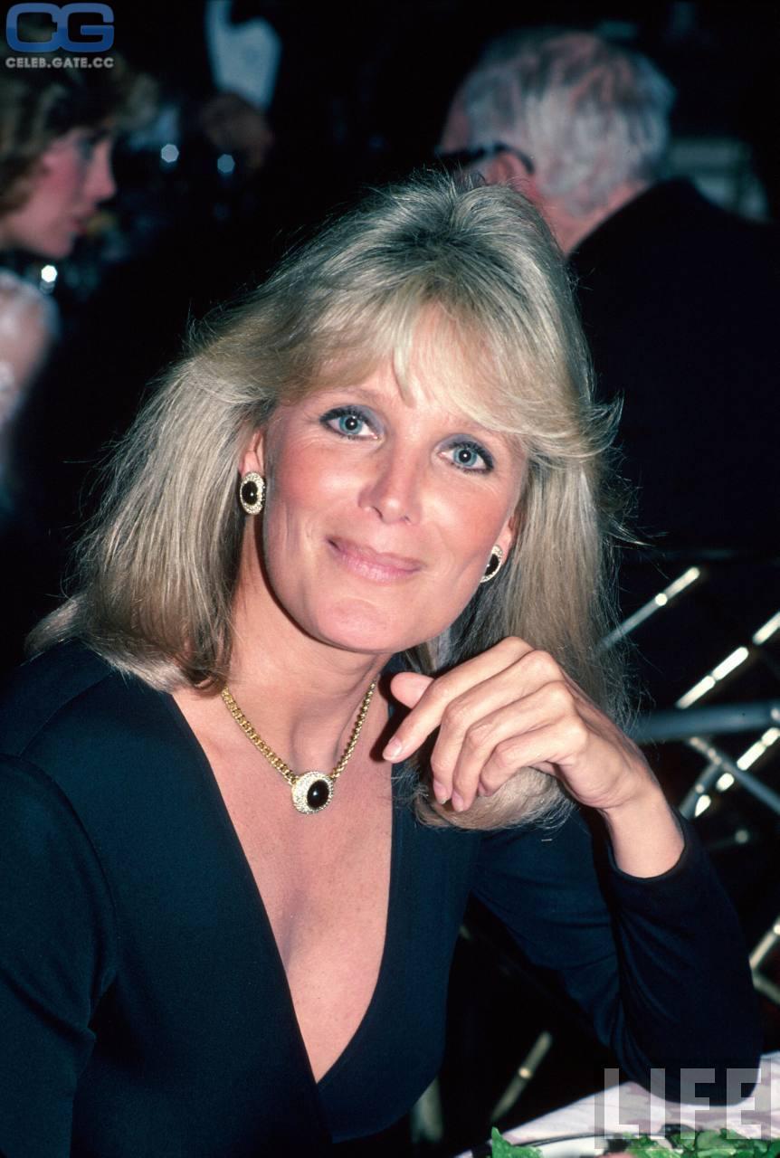 Evans  nackt Linda Linda Blair