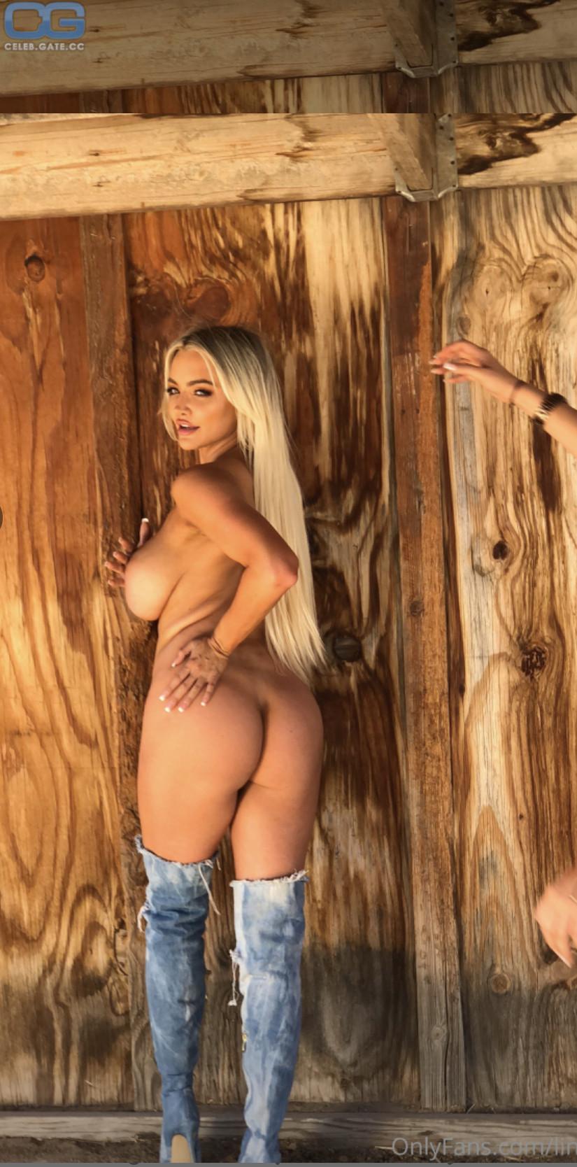 Lindsey nackt Pelas Lindsay Pelas