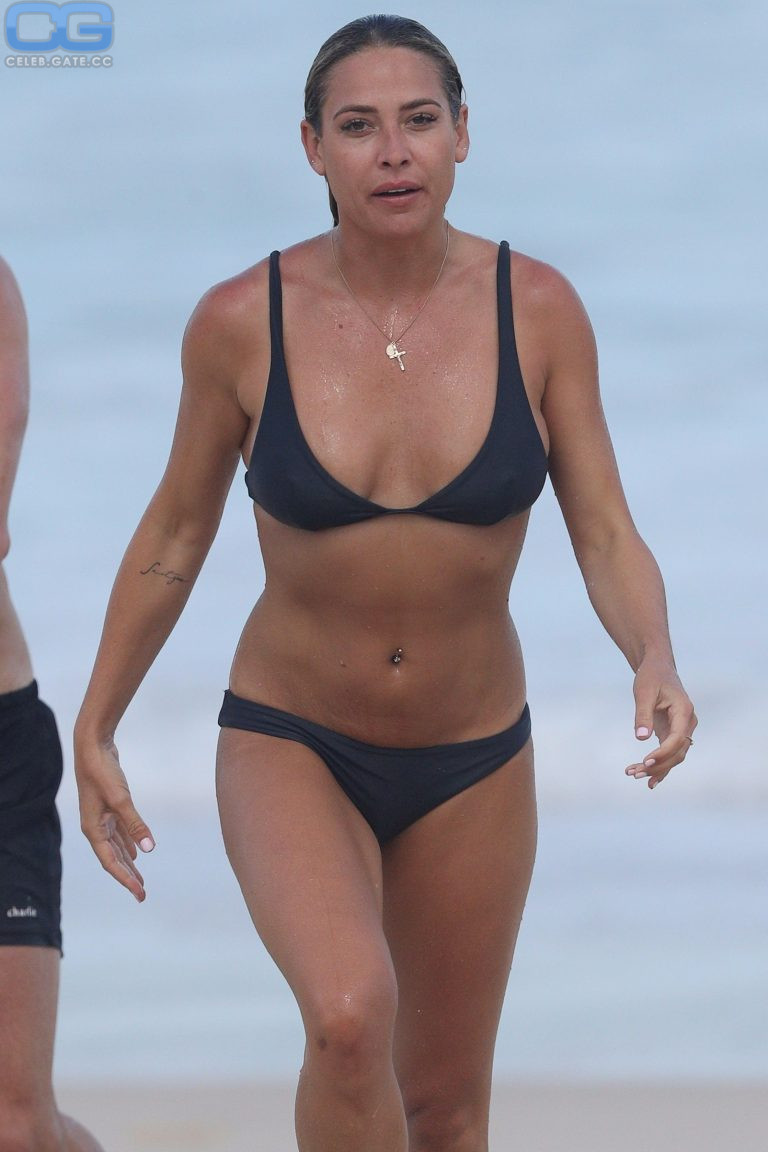 Lisa Clarke  nackt