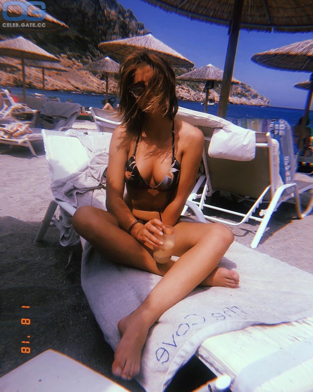 Nude koroll Lisa Marie