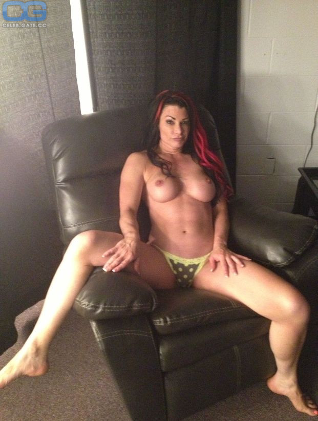 Marie Hall nackt Lisa  Free bikini