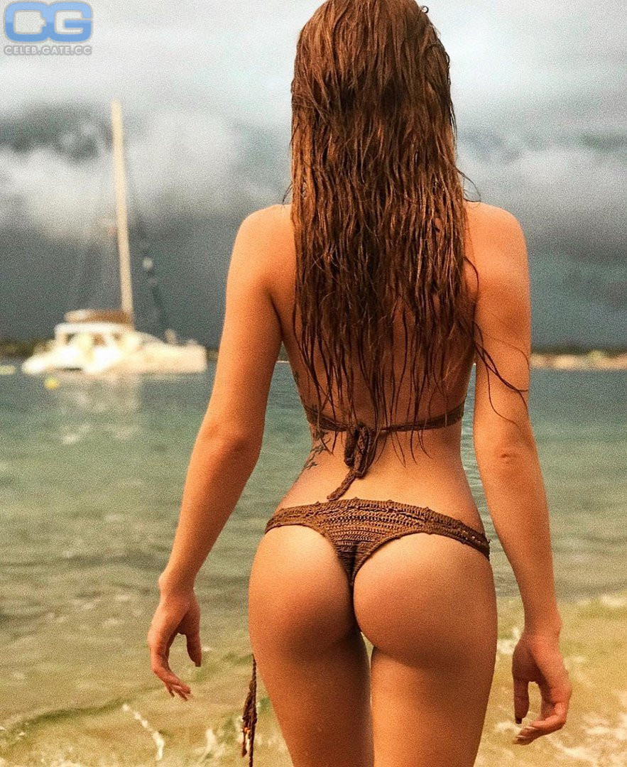 pictures bikini Lisa remini