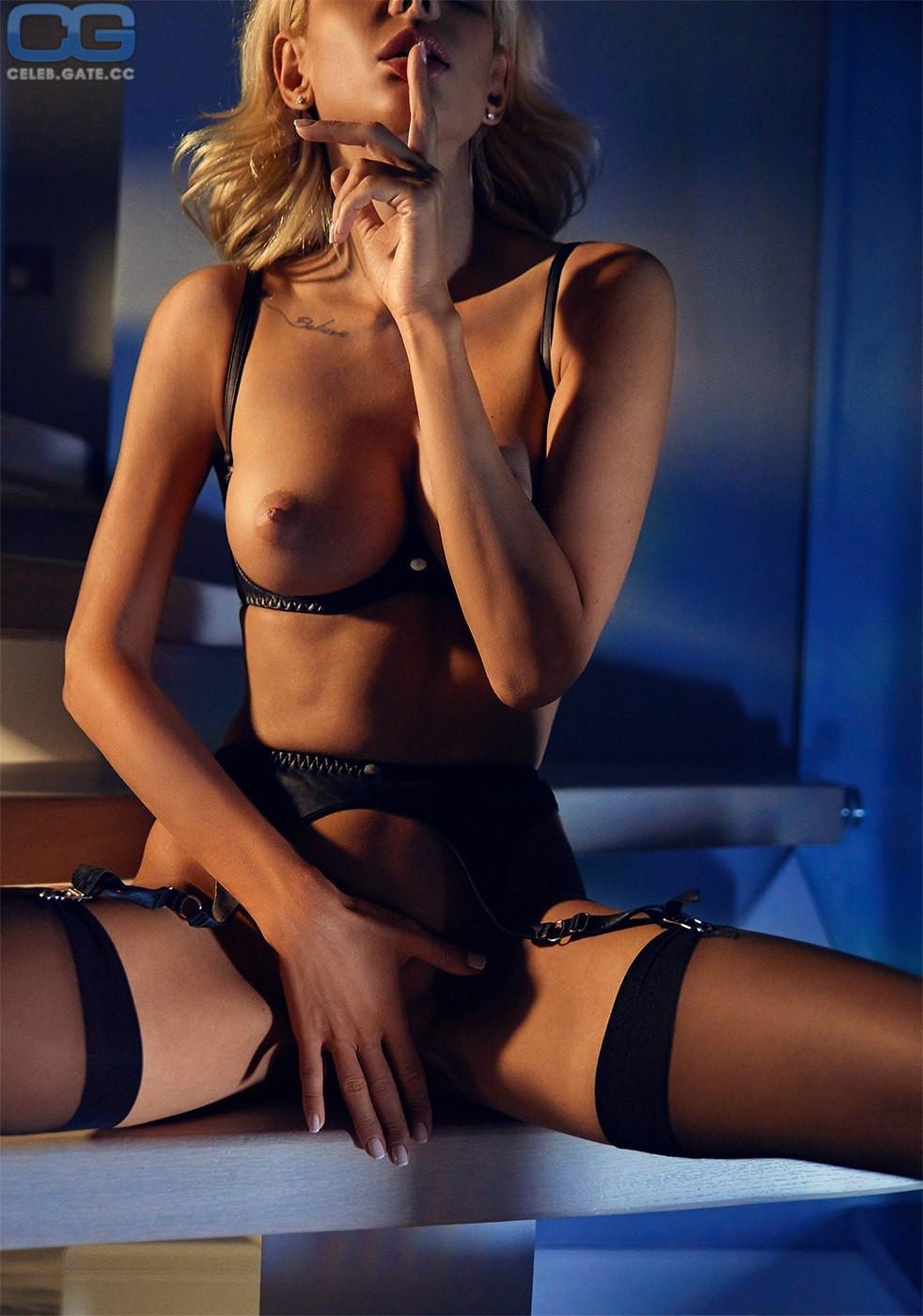 Nackt Liza Svistunova  Lisa Peachy