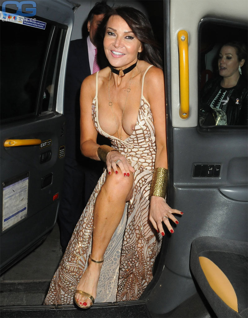 Cundy nackt Lizzie  Mariah Carey