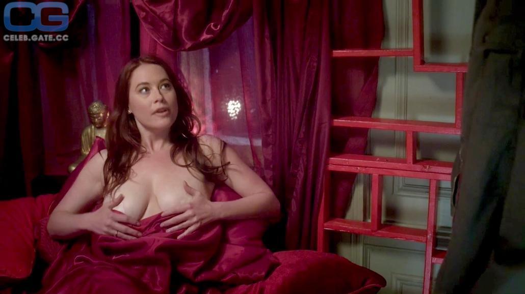 Melissa Roxburgh  nackt