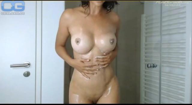 Nackt videos schäfer micaela Micaela Schaefer