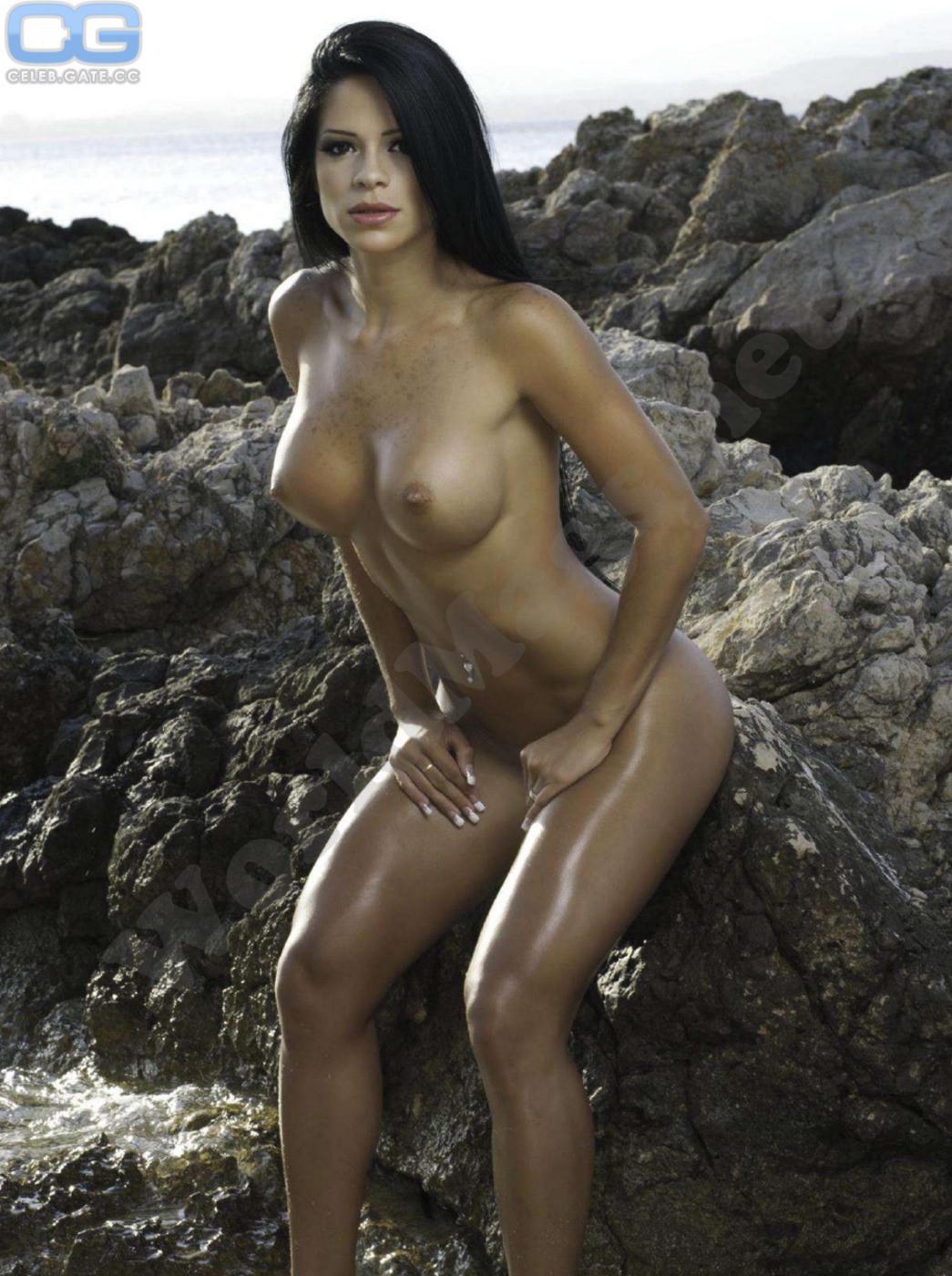 nackt Monballijn Michelle naakt