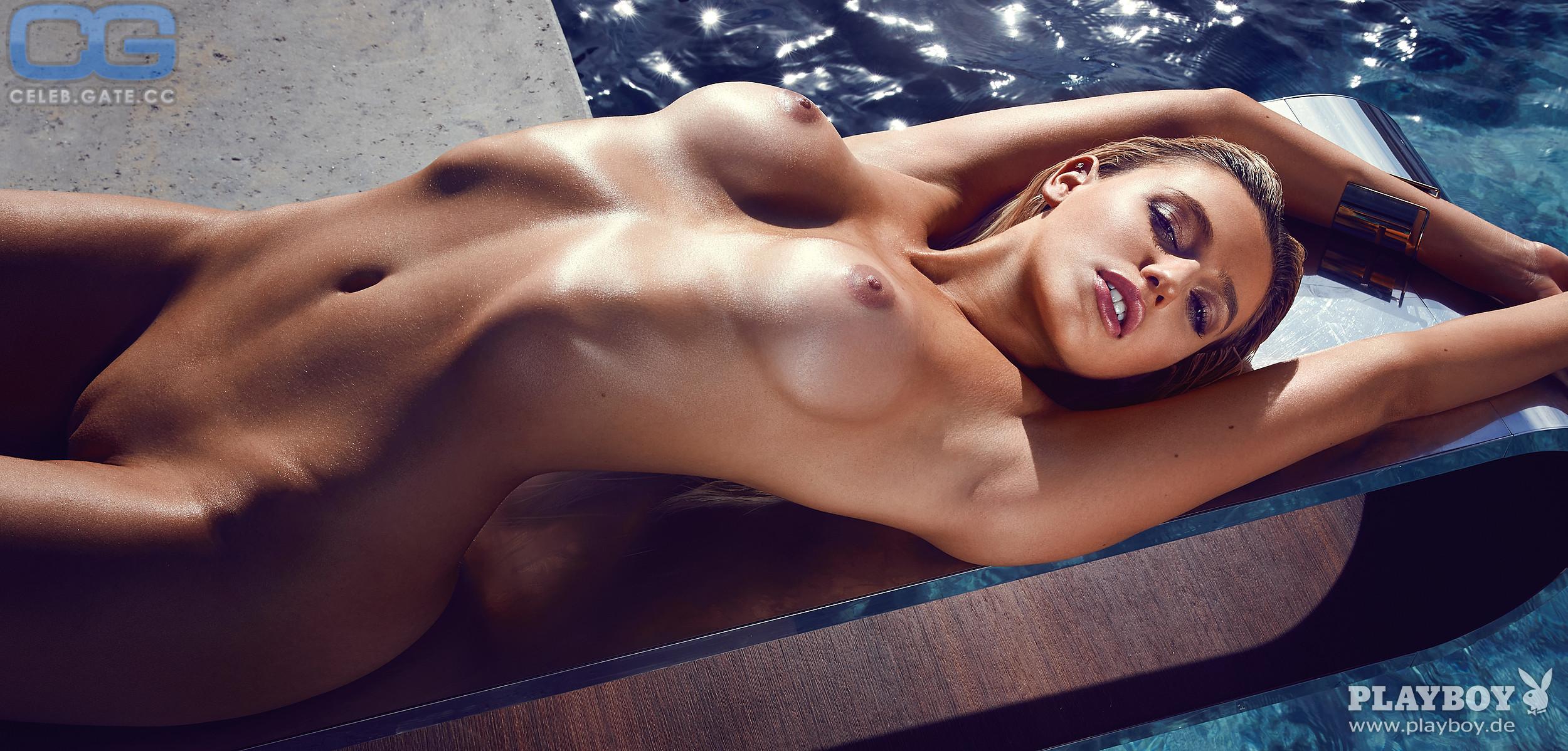 Sims  nackt Monica Monica Sims