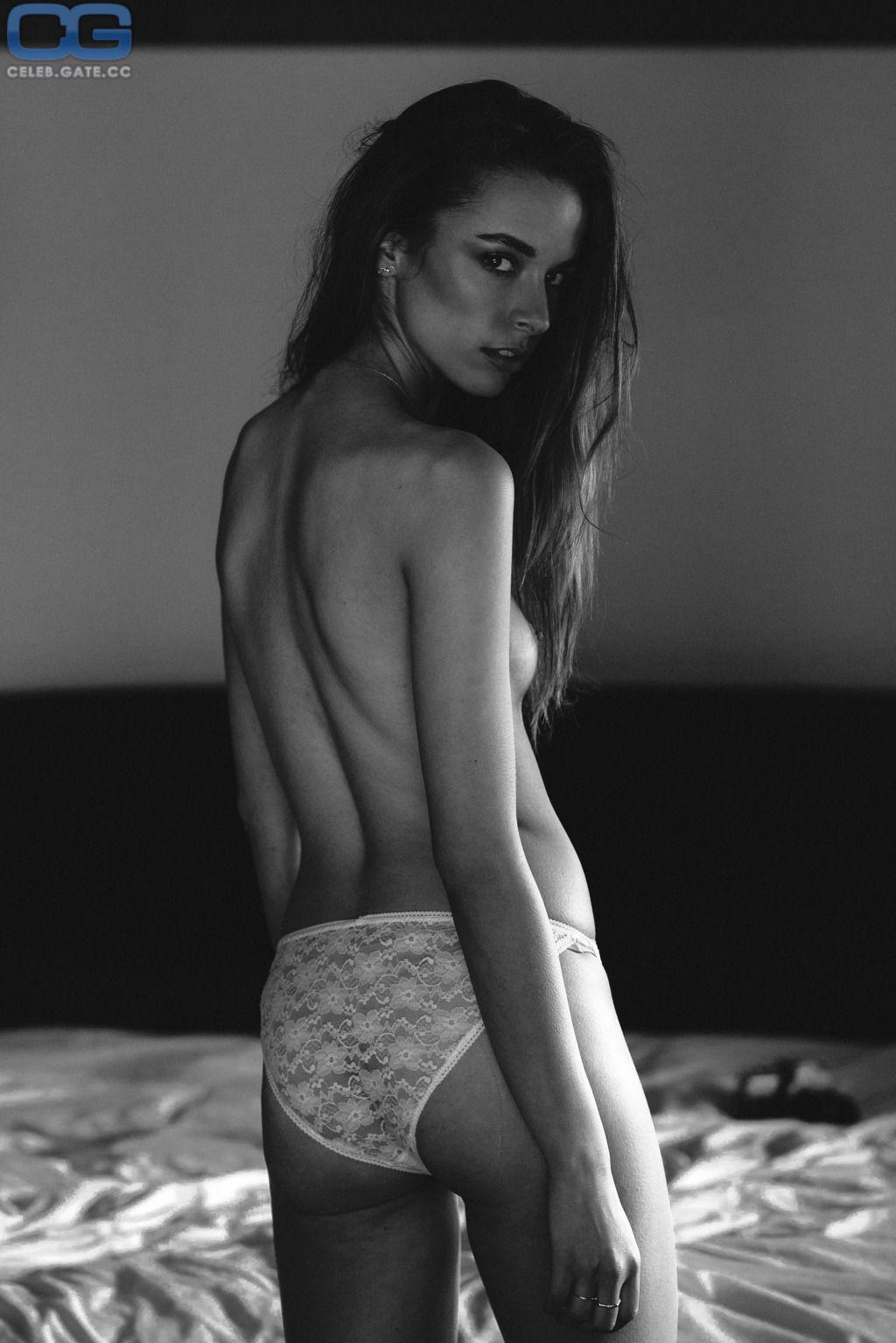 Nackt Heiß miranda cosgrove Miranda Cosgrove