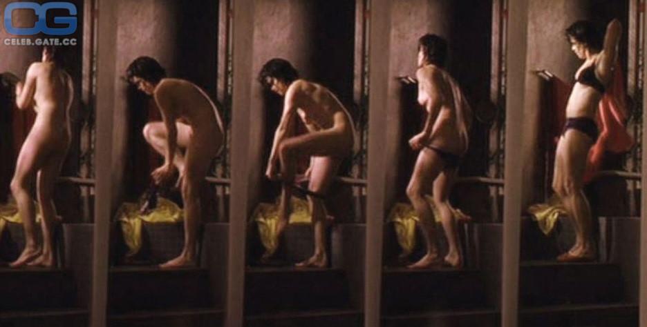 Neve Campbell Nude
