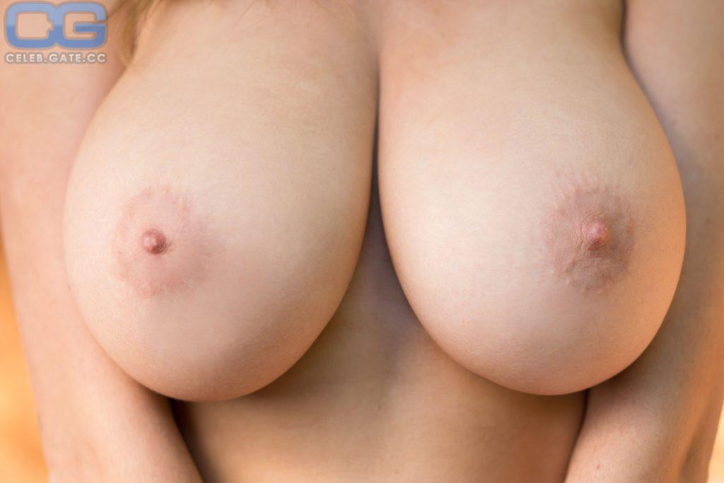 Chastity piercing female