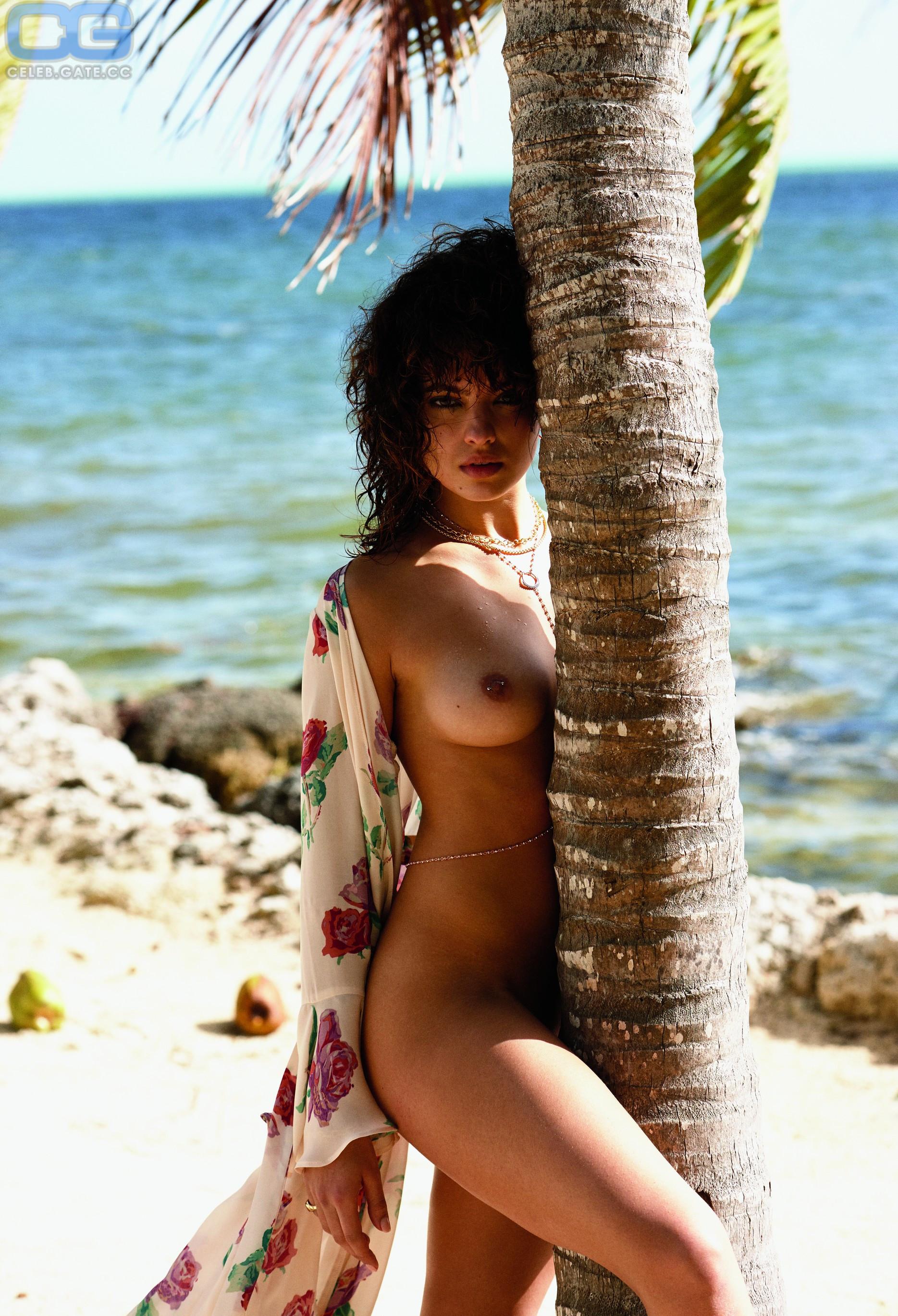 nackt Daniele Nina 41 Hottest