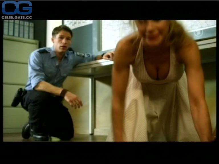 Gnädig nackt Nina-Friederike  German Celebrity