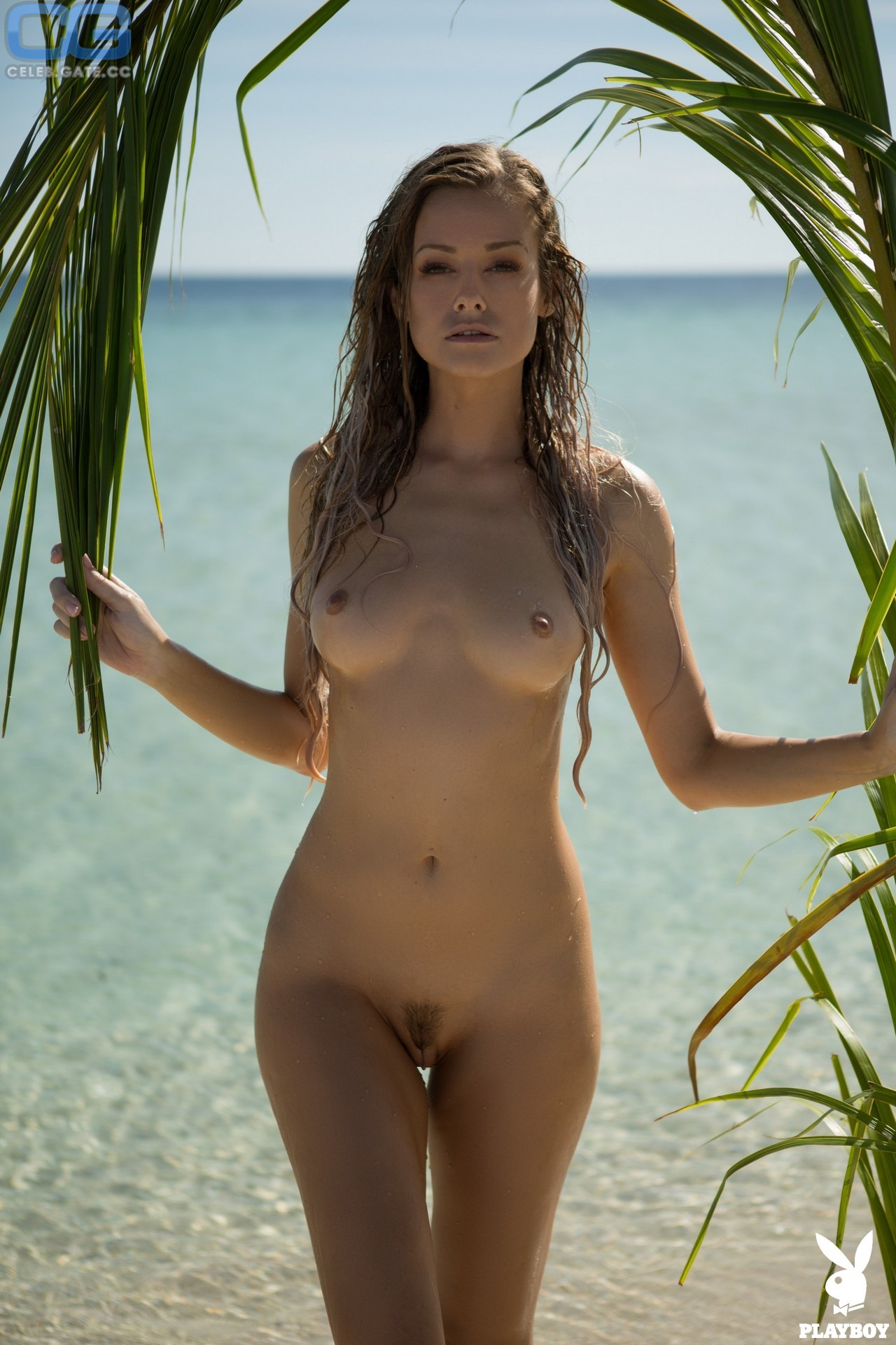 Olivia Preston  nackt