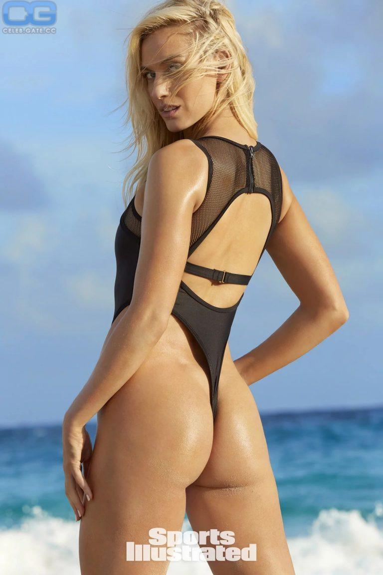 Paige Spara  nackt