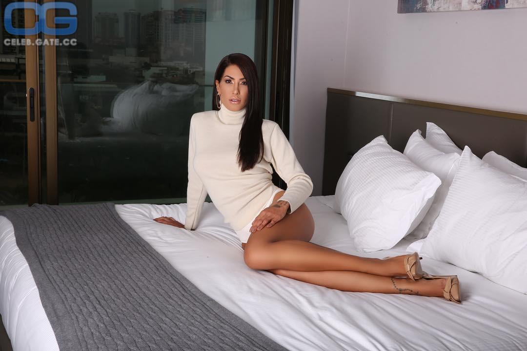 Poliana nackt Paula De Pamela Reif