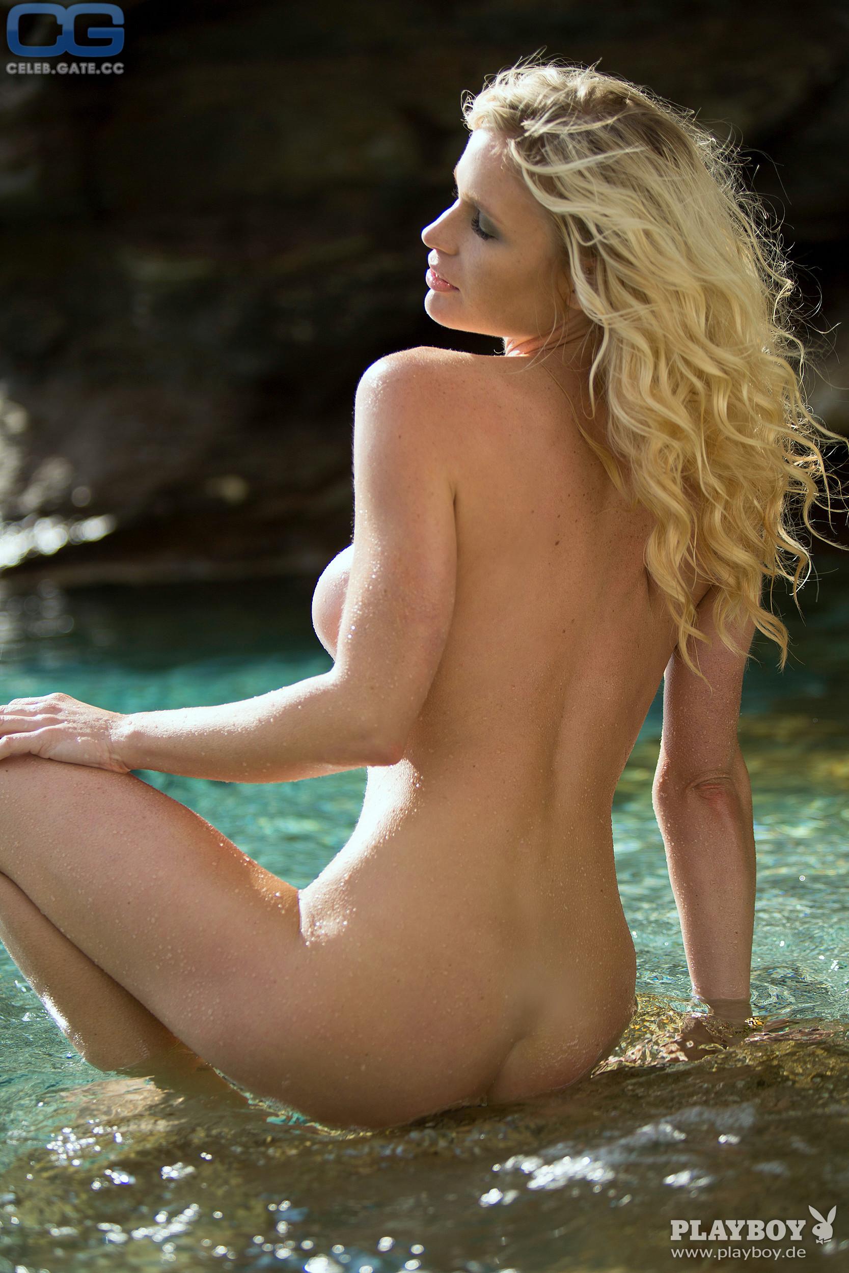 Nude ramona bernhard Ramona Bernhard