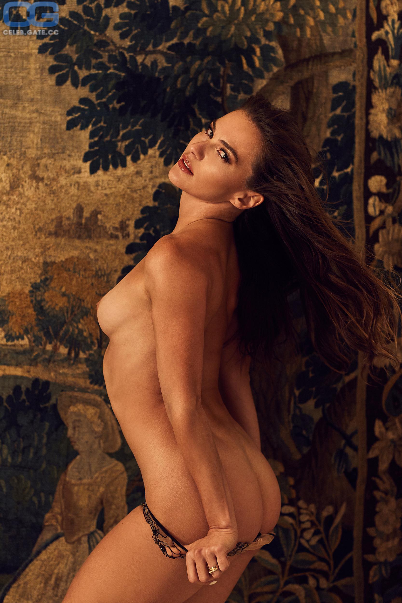 Nude renata Renata