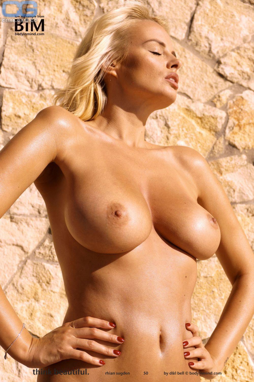 Nude rhian sugden Rhian Sugden