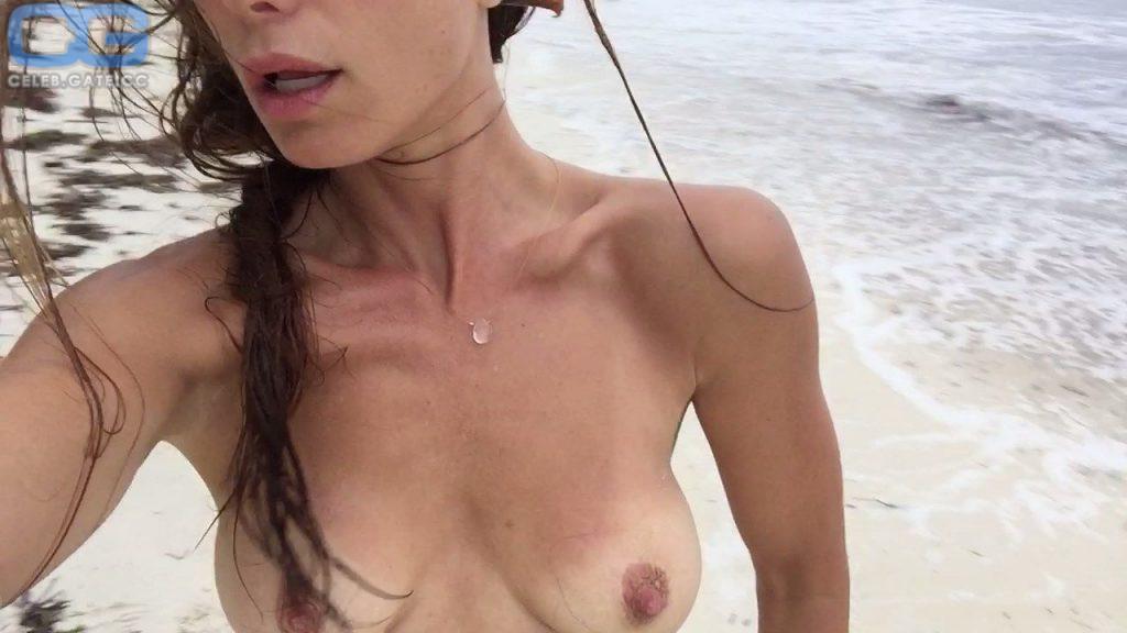 Rhona mitra naked