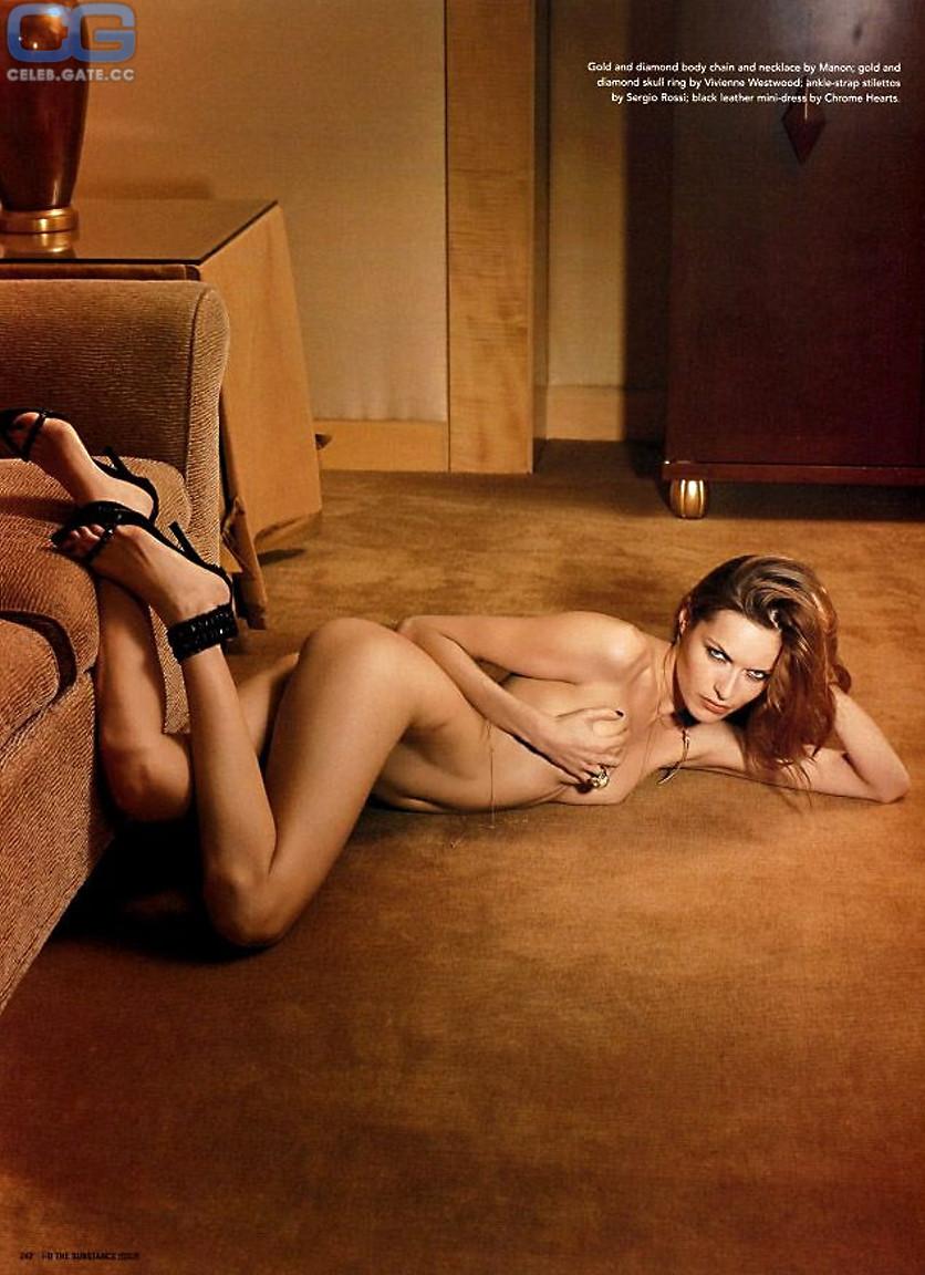 Rie Rasmussen  nackt