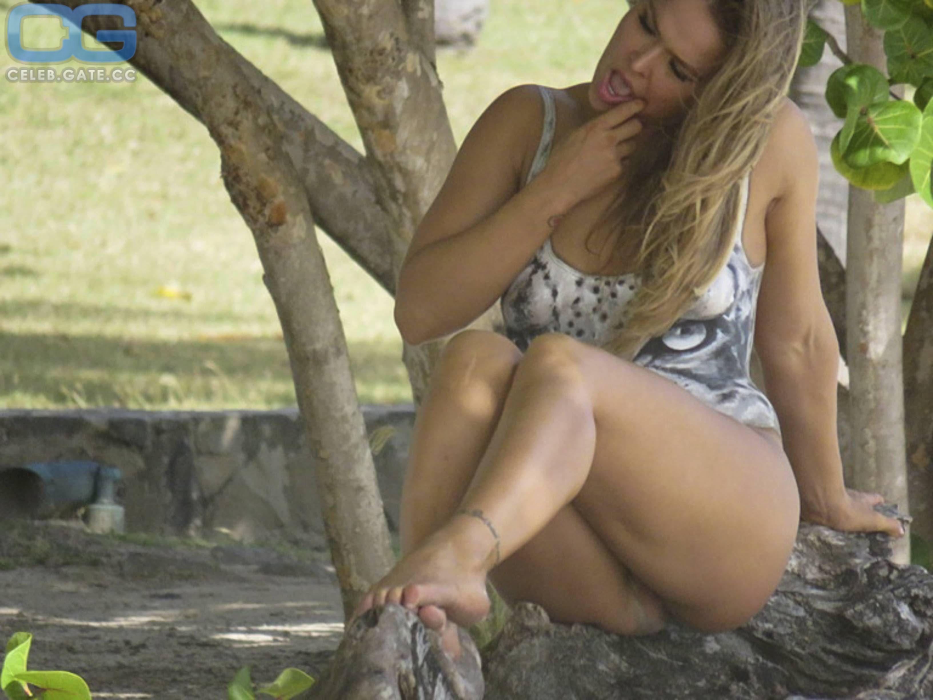 Boobs Ronda Rousey Nude Pics Free Jpg