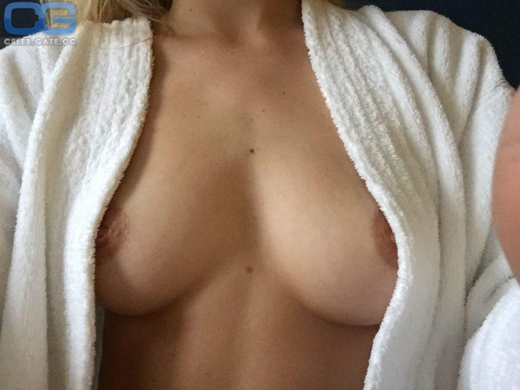 Samara Weaving Leaked Nude