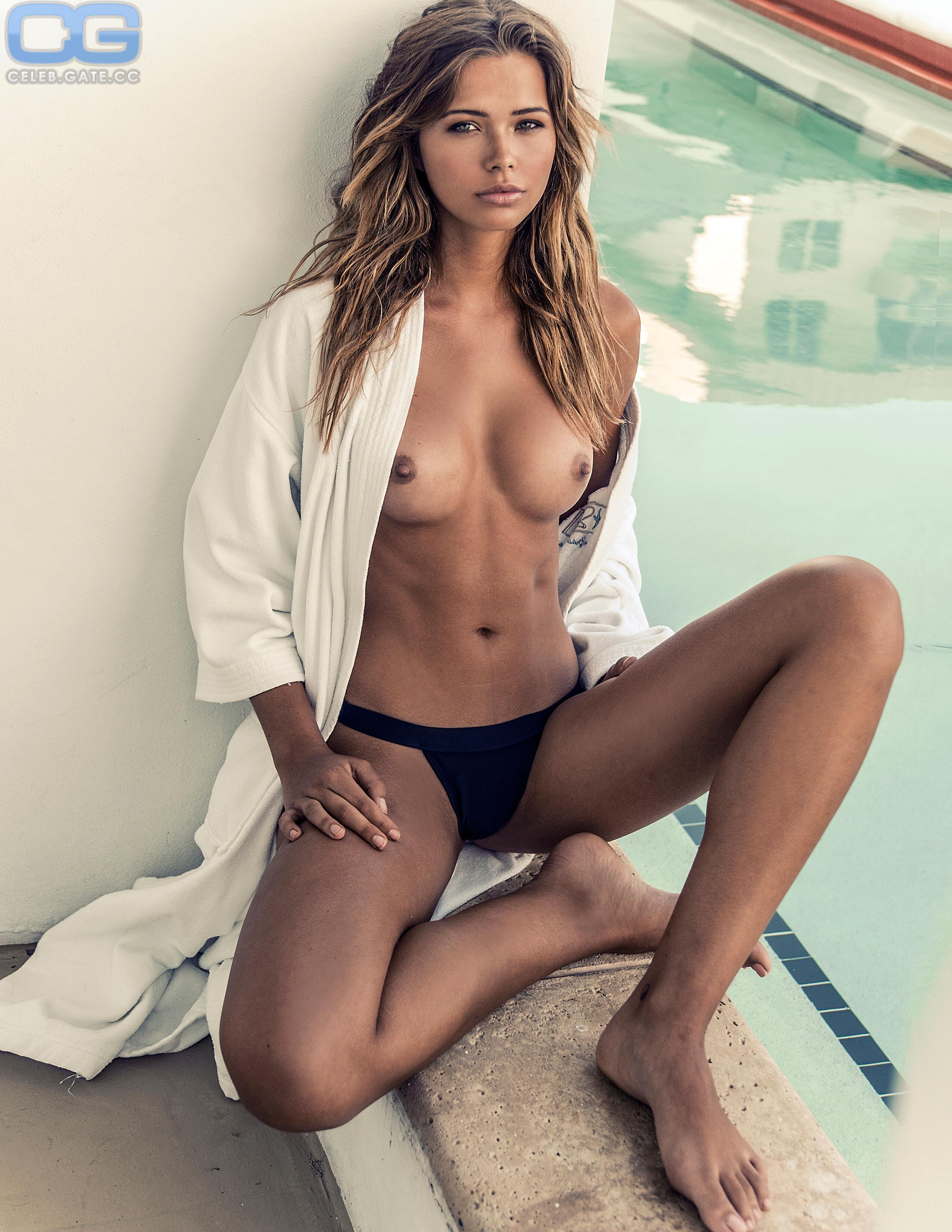 Sandra fox nackt