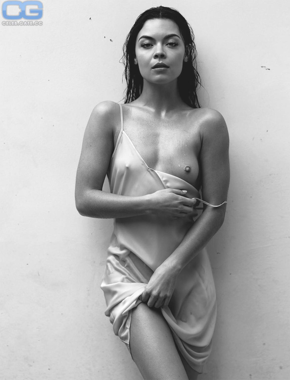 Sarah Byrne  nackt