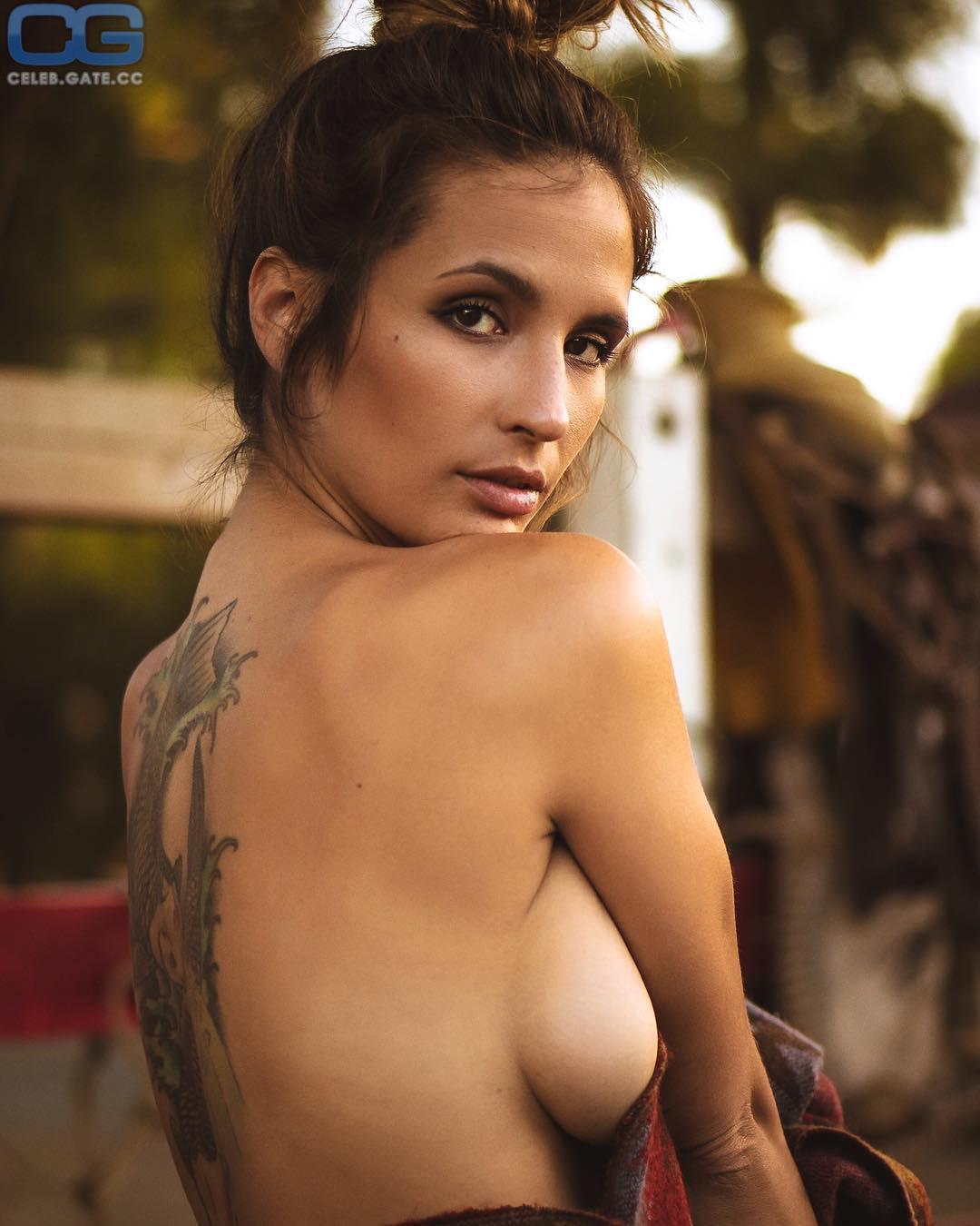Shay Maria Naked
