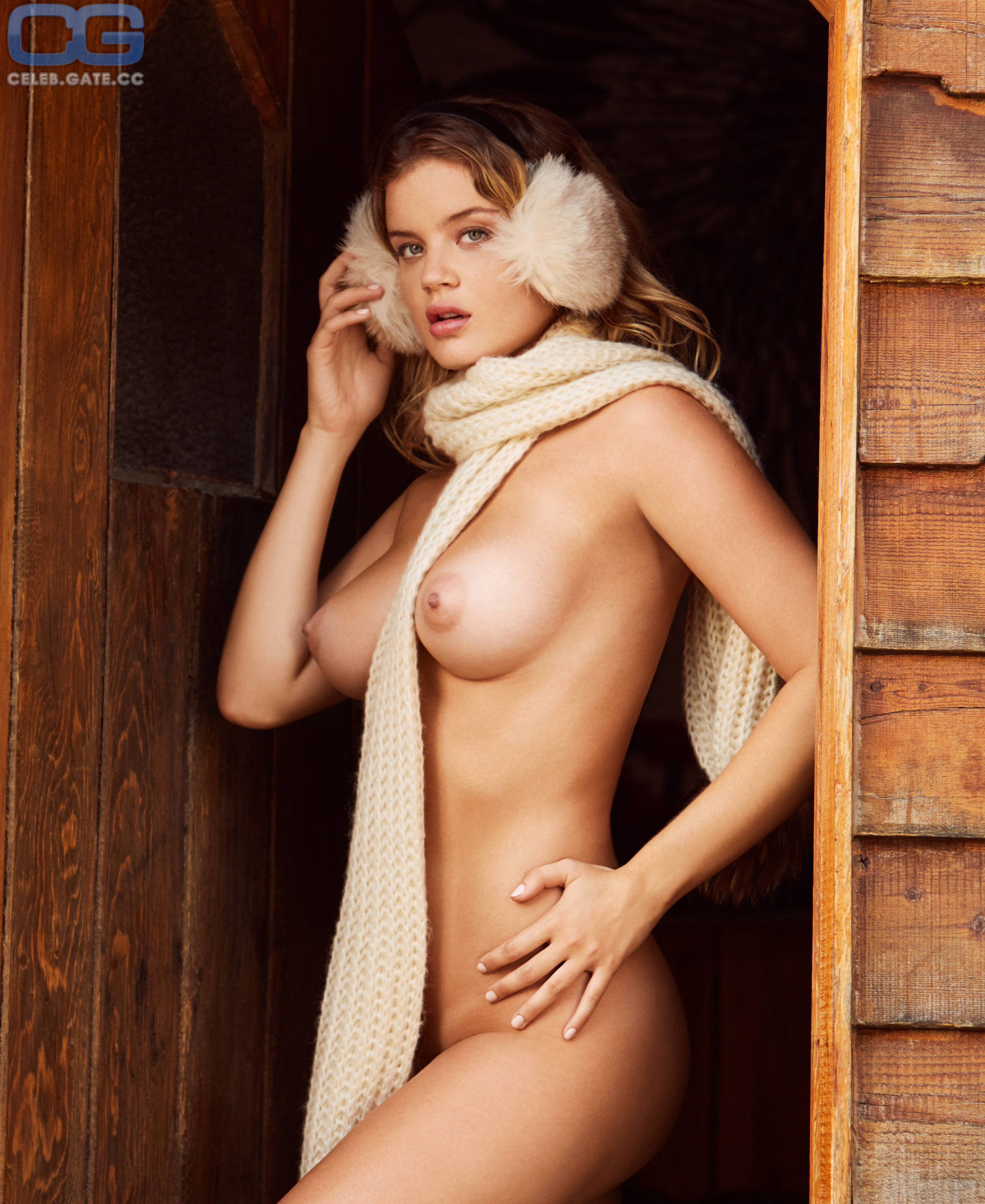 Nude Shelby Rose Nude Pic