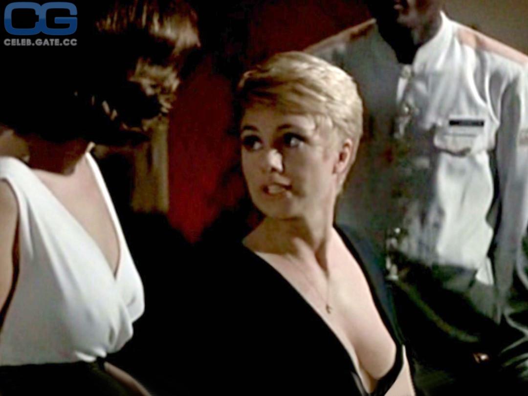 Shirley Jones  nackt