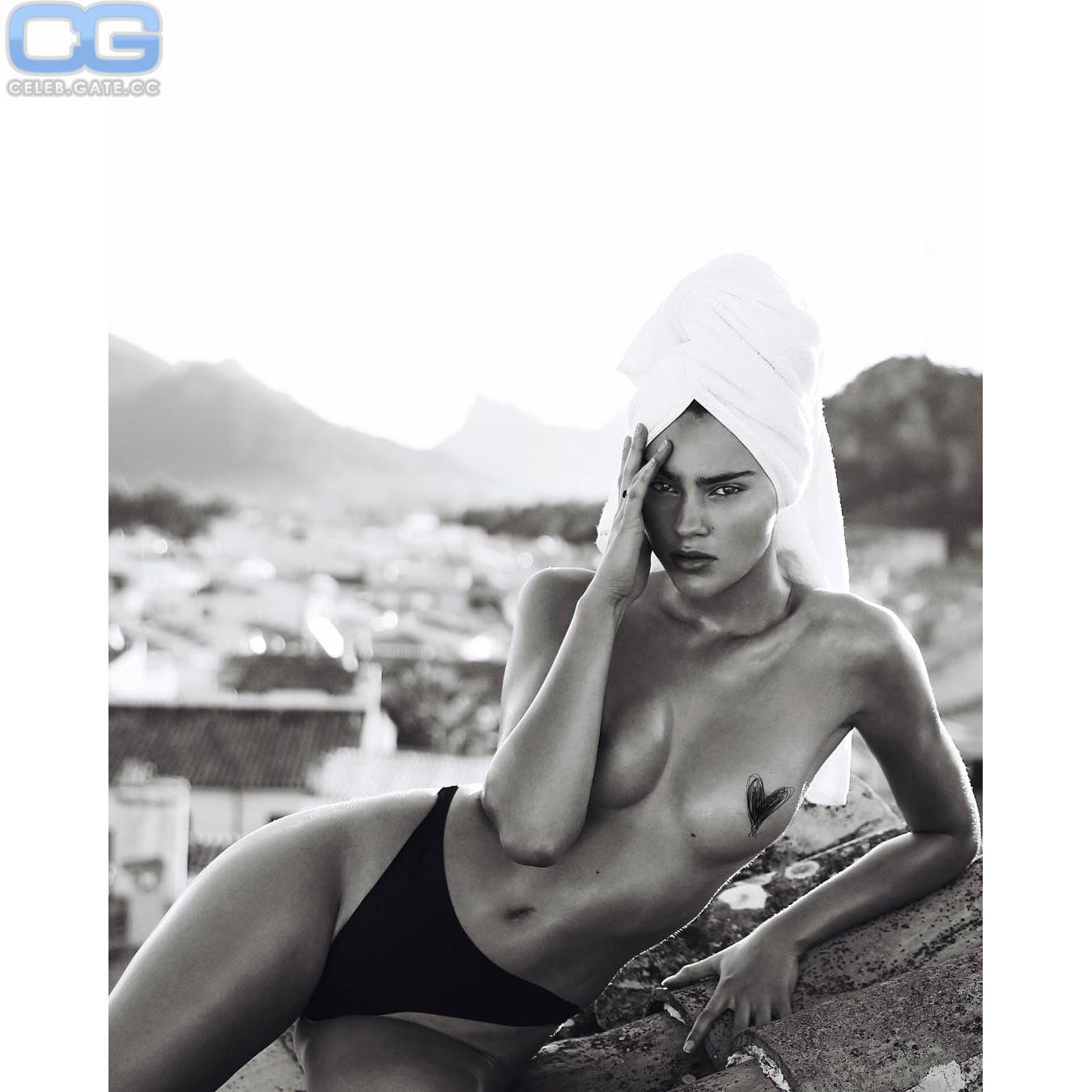 Stefanie Giesinger Nackt
