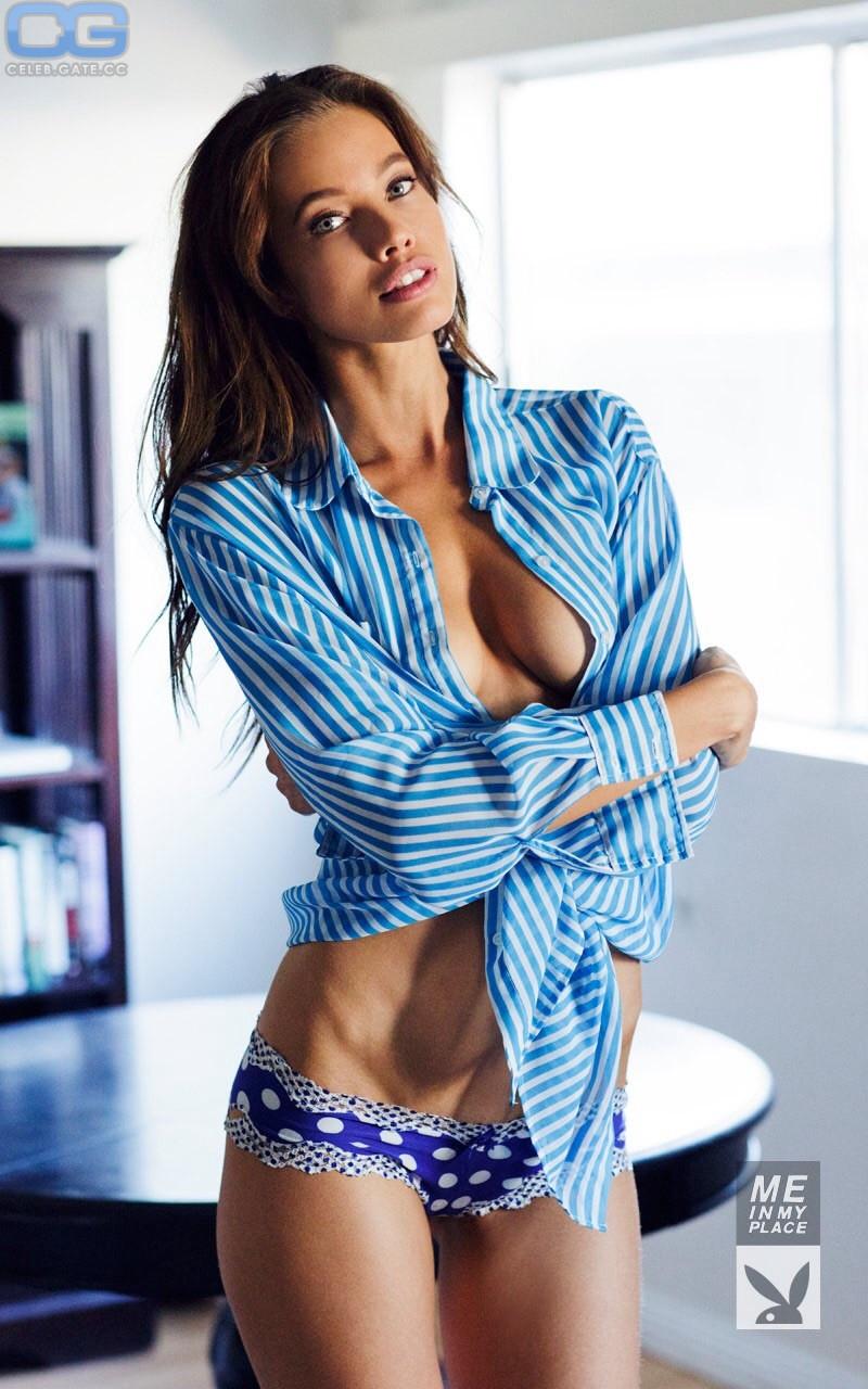 Amarell nackt bilder stephanie Stephanie McMahon