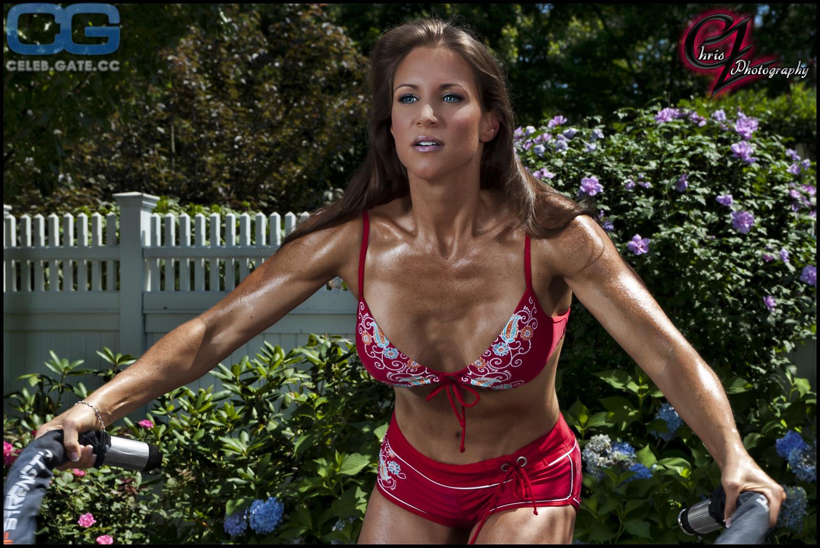 Nackt Stephanie McMahon  Stephanie McMahon