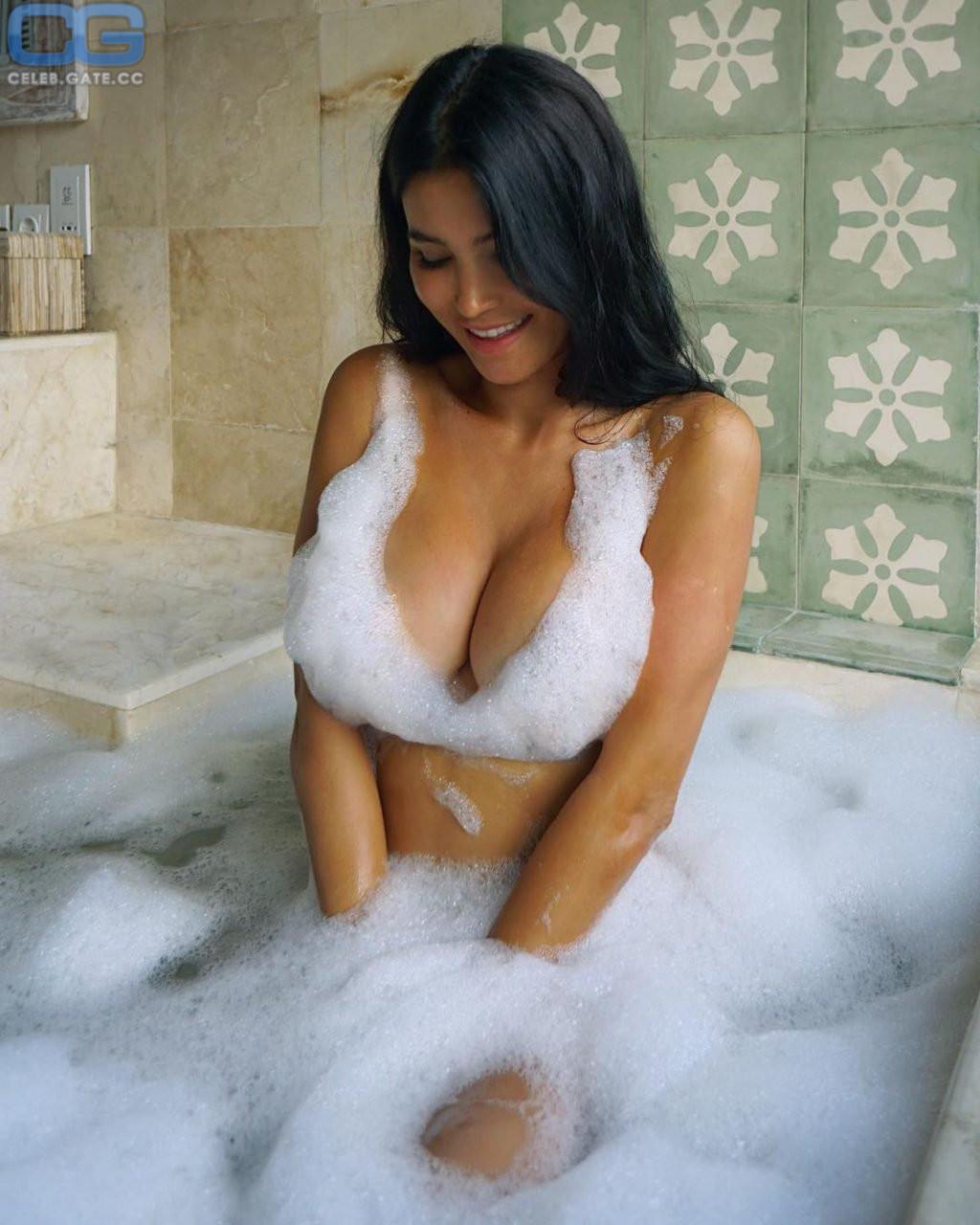 Nackt svetlana bilyalova Svetlana Bilyalova: