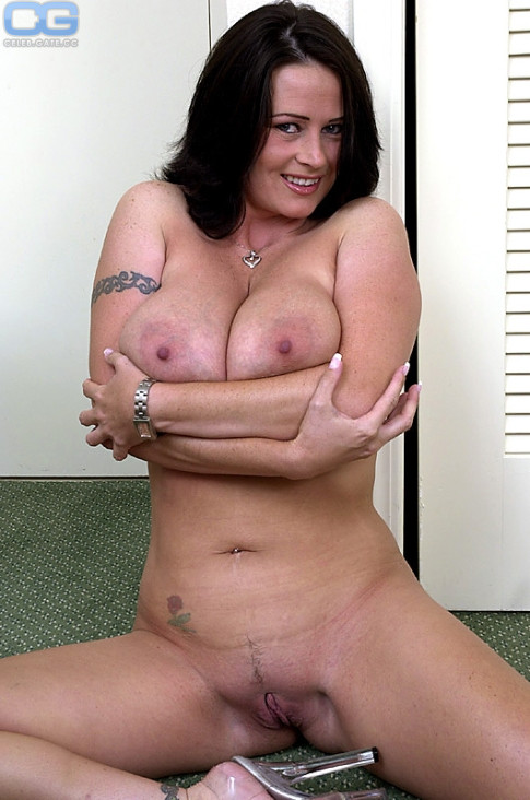 Taylor kennedy naked