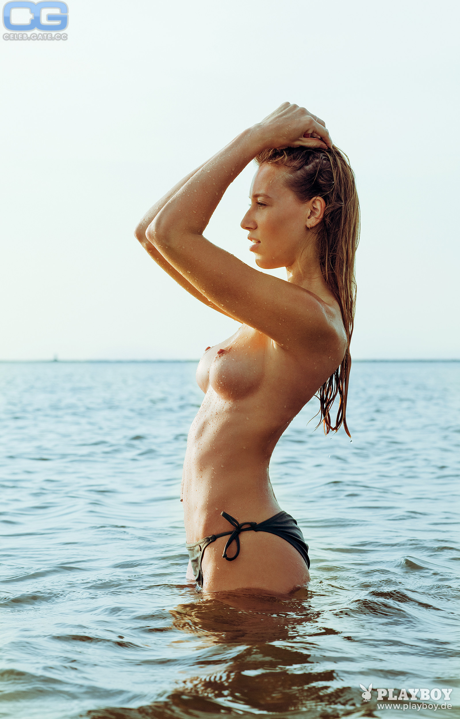Tiffany van Roest  nackt