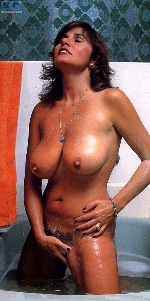 Naked Ushi Degard Nude Photos