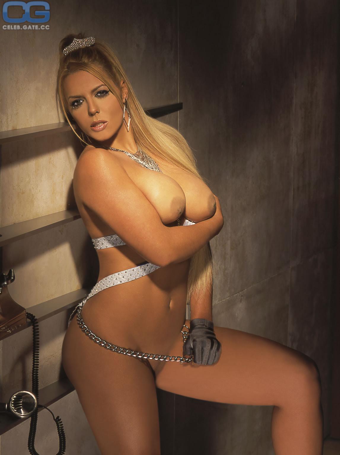 Nackt  Vanessa Ray 45 Sexy