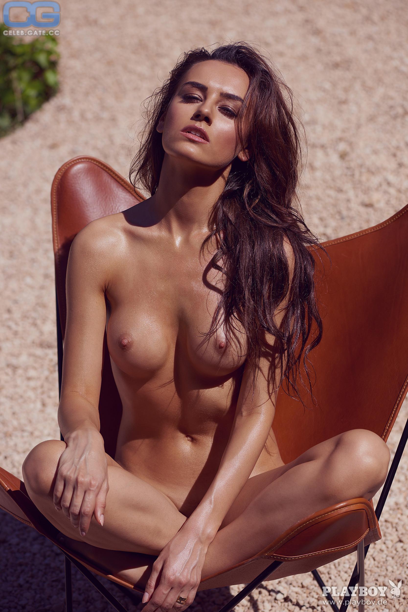 Viktoria rowell nackt